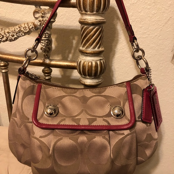 Coach Handbags - COACH Poppy purse with additional strap